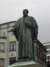 Fux�: Statue of G. M. de Jovellanos in Gij�n - Spain