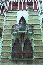 Gaud�   Casa Vicens   Balcony and windows
