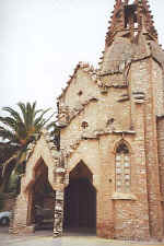 Jujol: Vistabella S.C. Church Porch