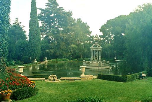 Glorieta de jardín en Argentona