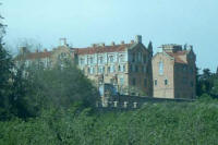 Reus: Pere Mata Institute of Llu�s Dom�nech i Montaner   Wing of the distinguished, view from outside