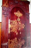 Riquer  Decoration: a door