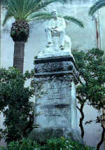 Reyn�s: Sitges, Monument of Dr. Robert