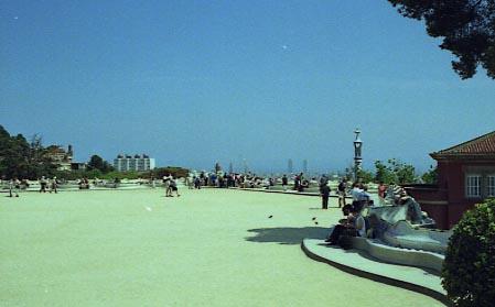 G Park Guell Gran placa vista cap a Barcelona