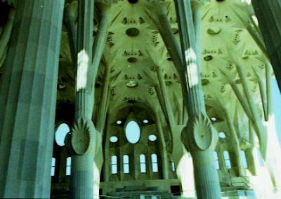 G S Fam Interior Columnes i sostre esglesia 2