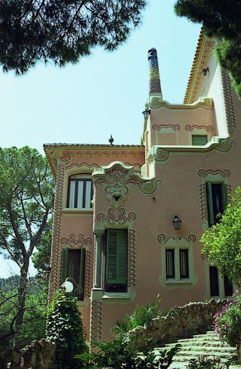 G_Park_Guell_Casa_Gaudi_vista_des_de_part_baixa