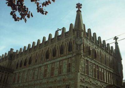 Gaudi_C._Teresianes_Vista_posterior