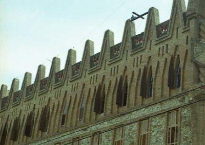 Gaudi_Col.legi_Teresianes_finestres_3er_pis