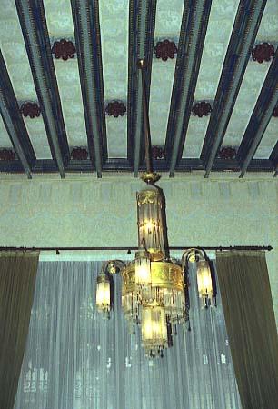 PiC_Casa_Coll_i_Regas_Interior_enteixinat_i_lampada