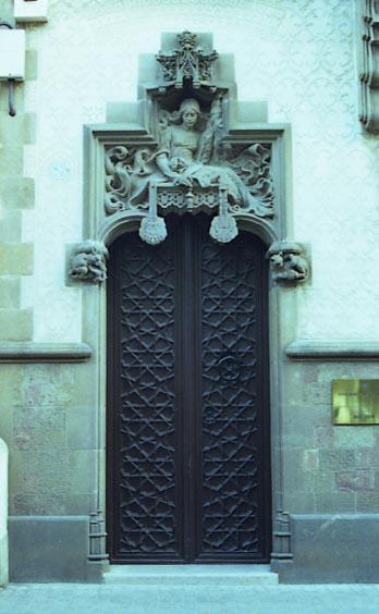 PiC_Casa_Coll_i_Regas_Porta