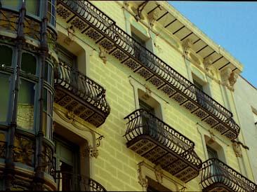 Lleida Casa Llorens Tribuna i balcons