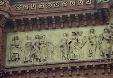 Reynes Arc Triomf Barcelona rep les nacions esq