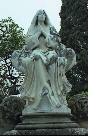Reynes_Ce_Sitges_Panteo_A_Serra_Ferrer_1902