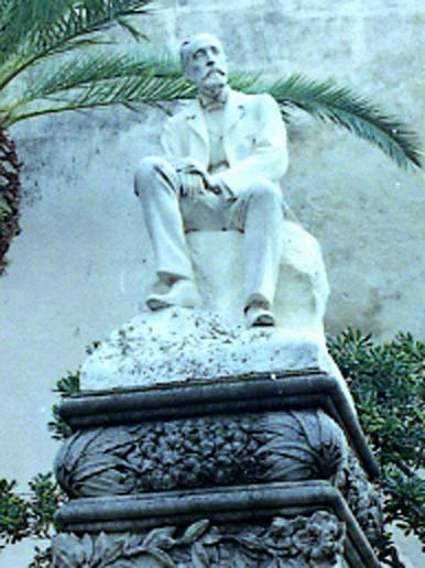 Sitges.Monument Dr Robert detall