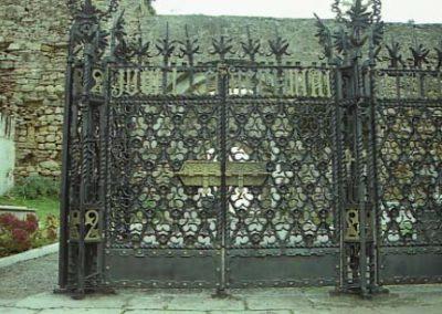 DiM_Cementiri_de_Comillas_Reixa_Porta