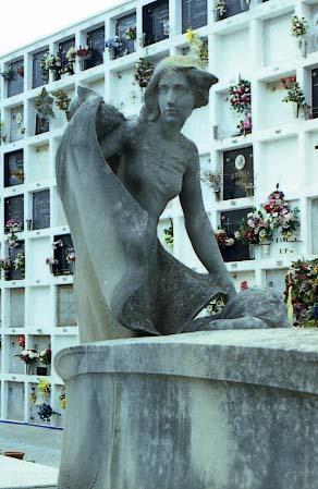 Llimona_Cementiri_Sitges_Panteo_Robert_Camps_1903